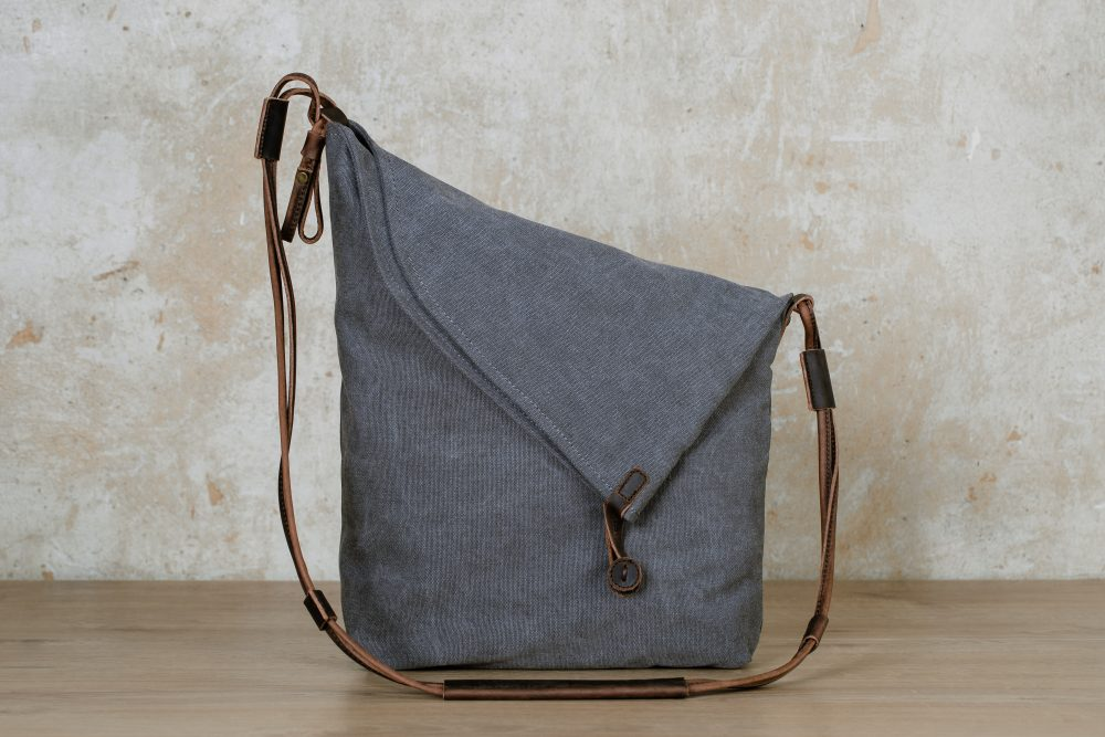Northern light shoulder bag grey