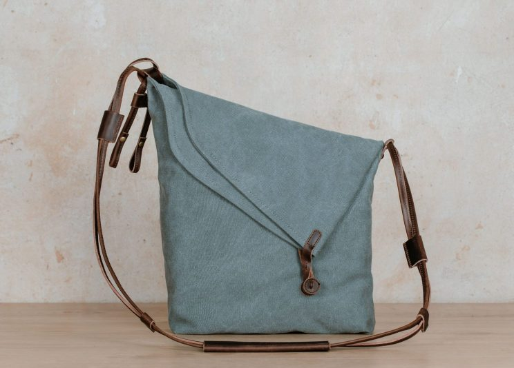 Northern Lights Smilla shoulder bag turquoise front