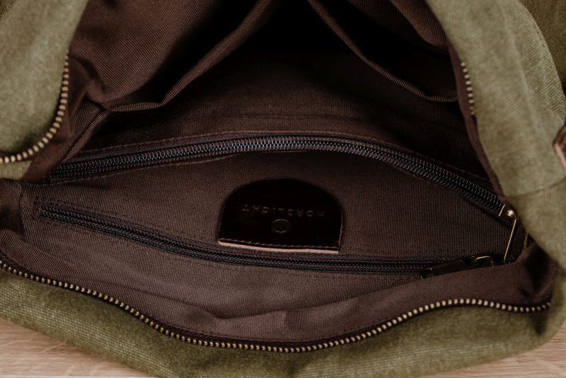 Northern Lights Smilla shoulder bag green inside