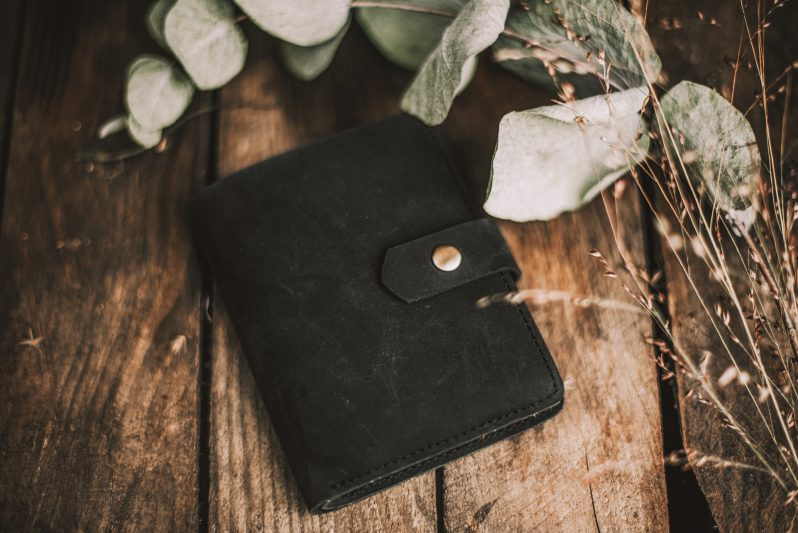 havu black small leather purse